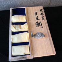 昇峰作 純錫製 鯛 箸置き 1500円