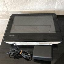 東芝 REGZA SD-P100WP フルセグ搭載 ポータブル DVDプレーヤー  5,000円